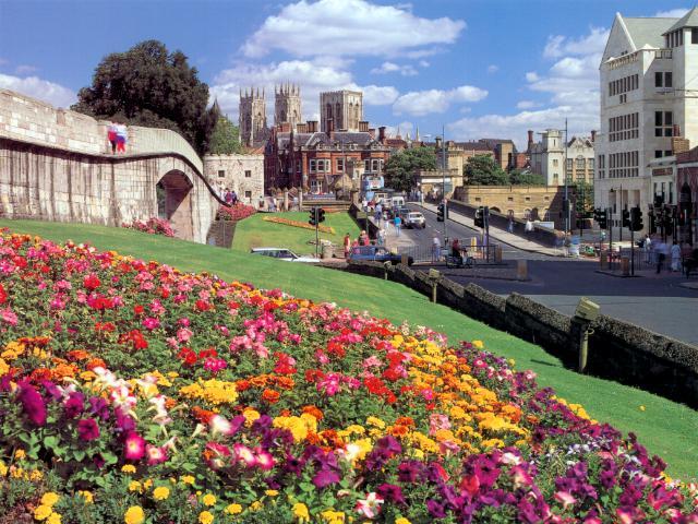 Curso de inglés en York para jóvenes Intensivo- Salida individual – 14 a 19 años