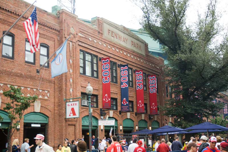 Fenway-Park-facade-on-Yawkey-Way