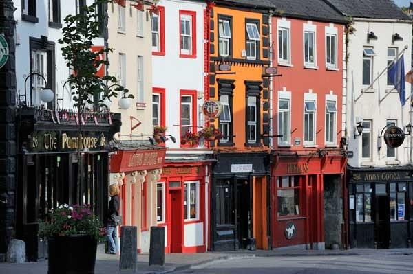 tipica-calle-de-la-ciudad-de-kilkenny_galeria_principal_size2